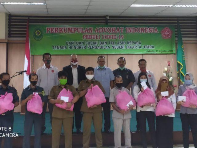 DPP Perkumpulan Advokat Indonesia Peduli Covid 19 Memberikan Tali Kasih Kepada Honorer PN Jakarta Utara