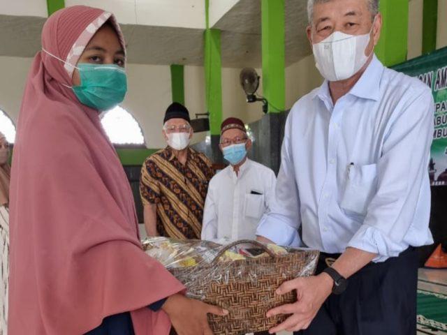 Menyambut Hari Raya Idul Fitri 1442 H., Yayasan Annas Serahkan Santunan Kepada Lansia Eks TKBM Pelabuhan Priok